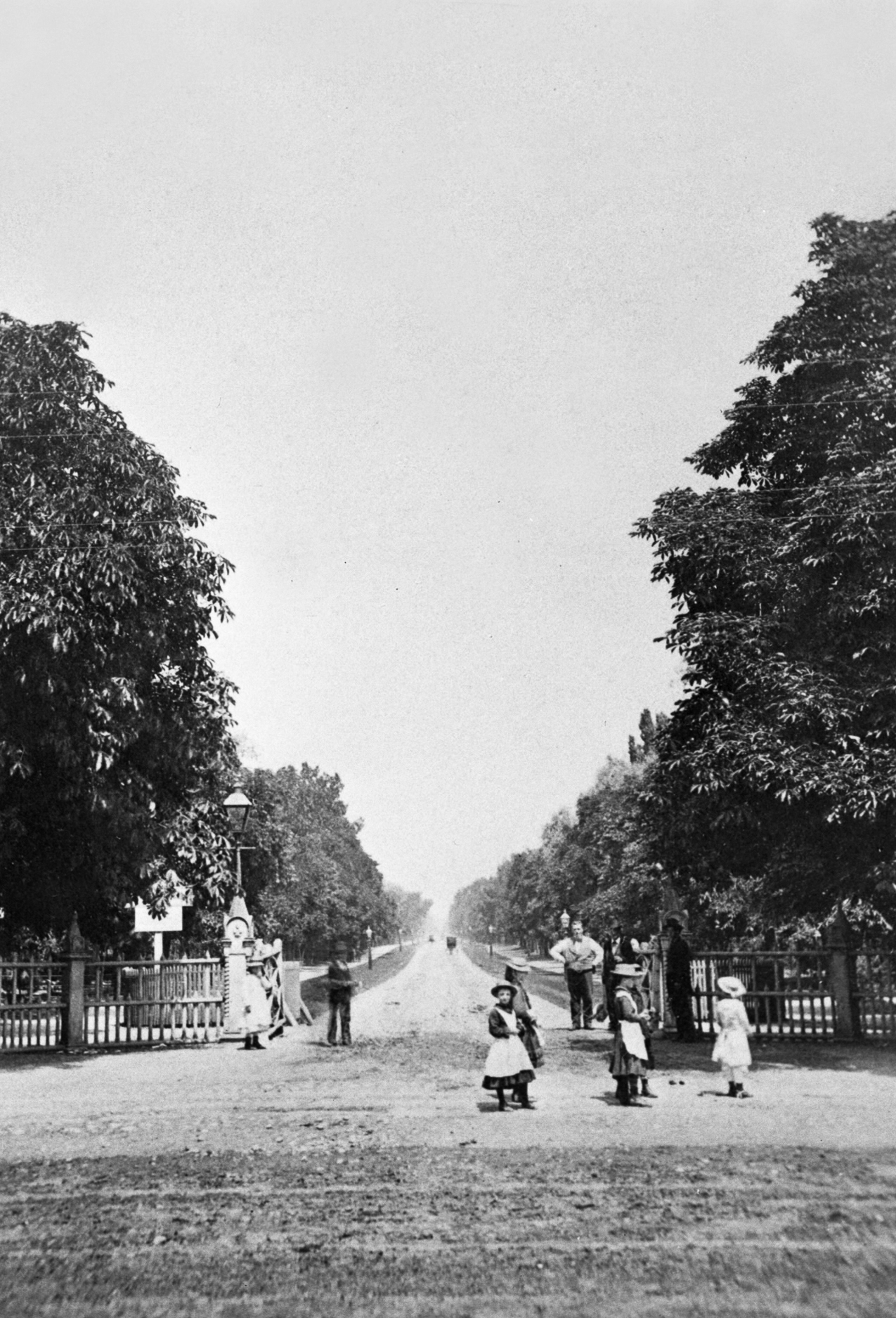 A-CCT-ON-Toronto-pictures-r-4112-University from Queen 1880 (Crop)